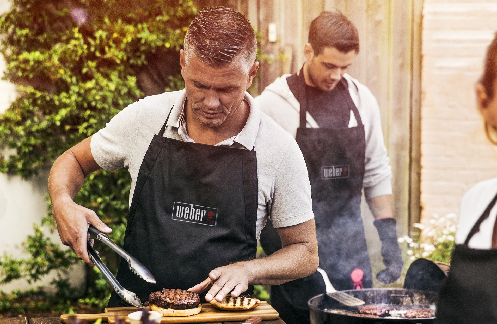 Weber Holzkohlegrill Bratwurst : Weber grill menü thema noch offen de