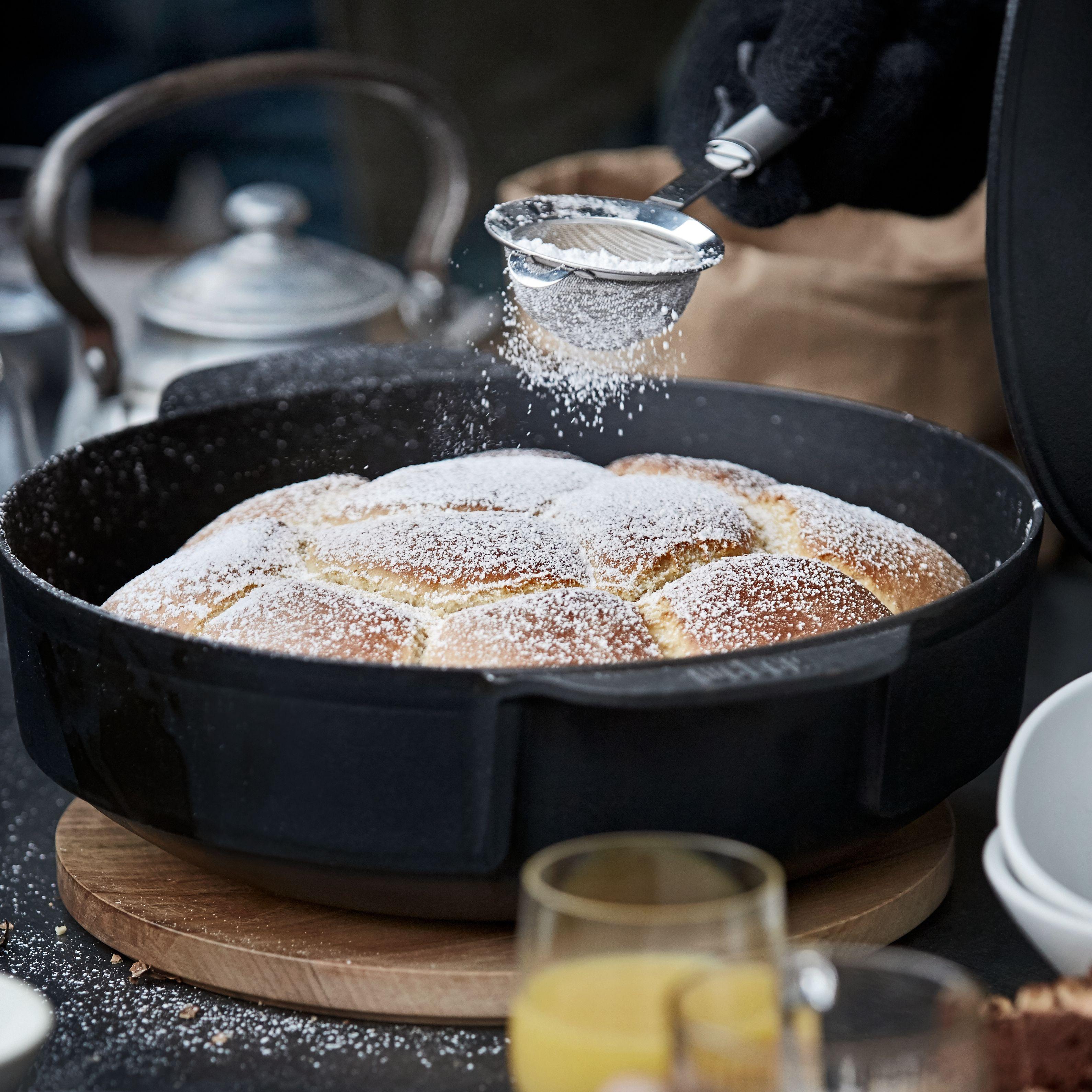 gourmet bbq system dutch oven weber grill original. Black Bedroom Furniture Sets. Home Design Ideas